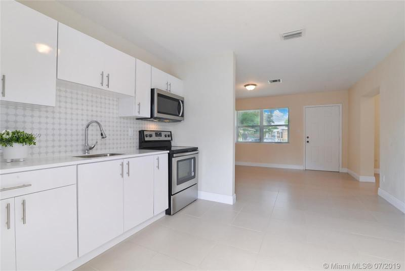 37 SW 6th Ave, Dania Beach, FL, 33004