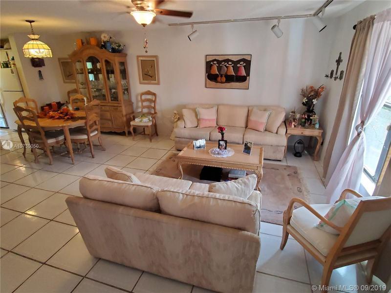 10324 Fairway Rd 10324, Pembroke Pines, FL, 33026