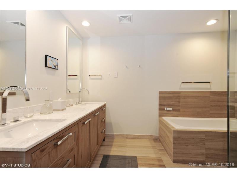For Sale at  350   Ocean Dr #604N Key Biscayne  FL 33149 - Oceana - 2 bedroom 2 bath A10243117_7
