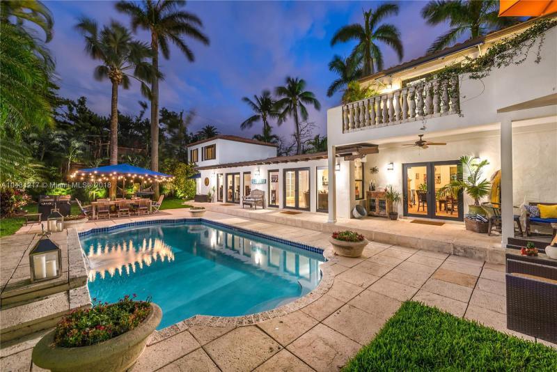 4635 Royal Palm Ave