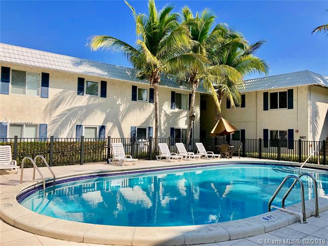 8601 SW 68th Ct  Unit 21, Pinecrest, FL 33143-7840
