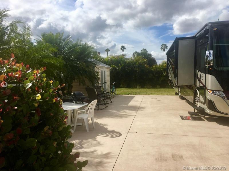3011 W RiverBend Resort Blvd, LABELLE, FL, 33935