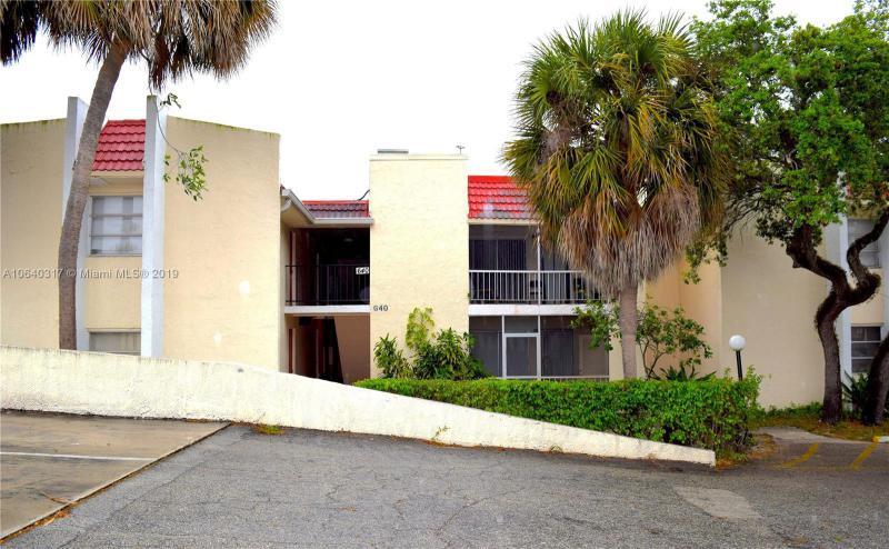 1067 Yarmouth D , Boca Raton FL 33434-