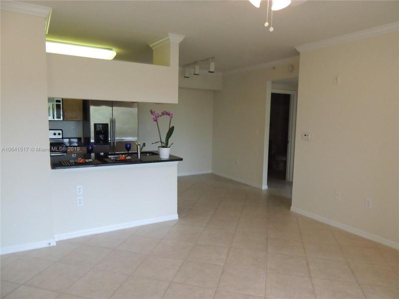 6410  Emerald Dunes Dr  Unit 107, West Palm Beach, FL 33411-2757