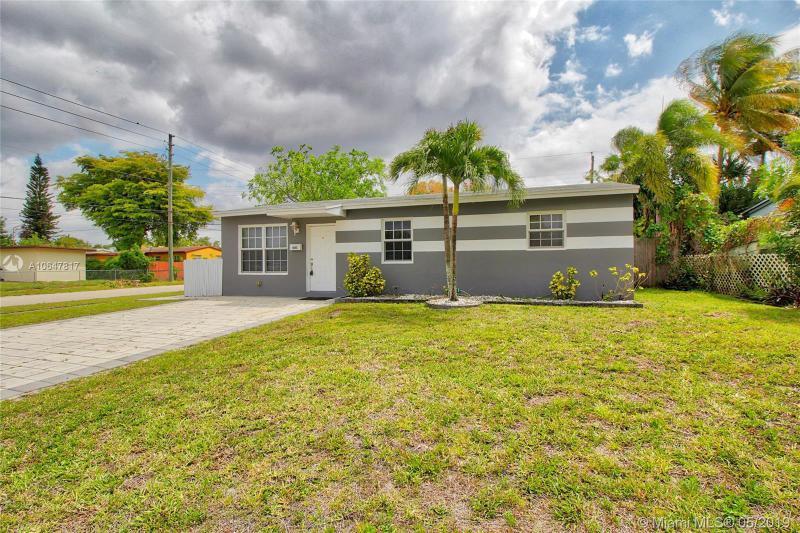 7571  Buchanan St , Hollywood, FL 33024-6828