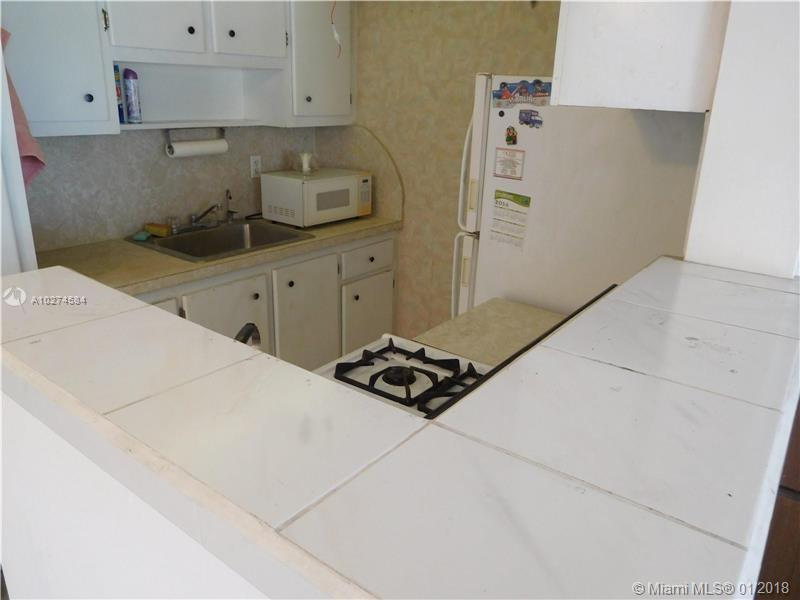55 NW 204th St  Unit 14 Miami, FL 33169-2642 MLS#A10274584 Image 4