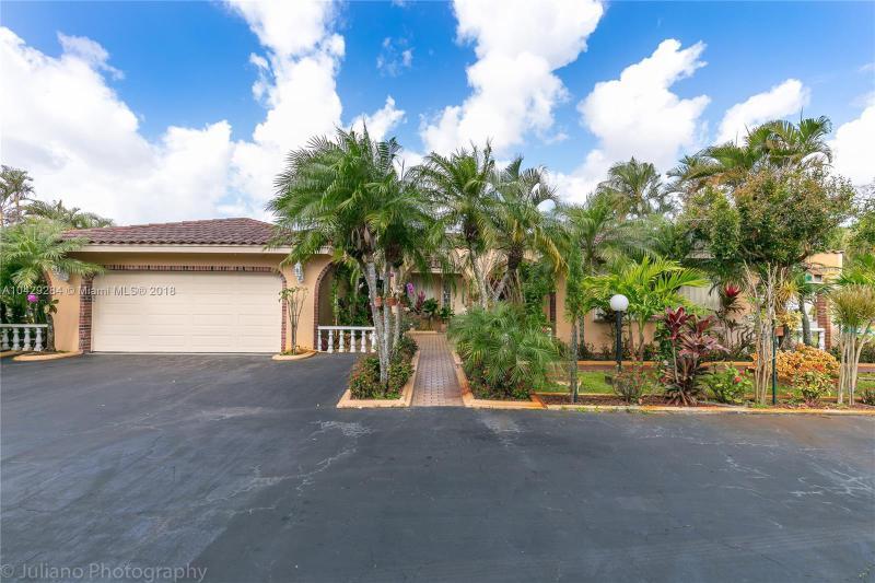 Imagen 1 de Single Family Florida>Davie>Broward      - Sale:795.000 US Dollar - codigo: A10429284