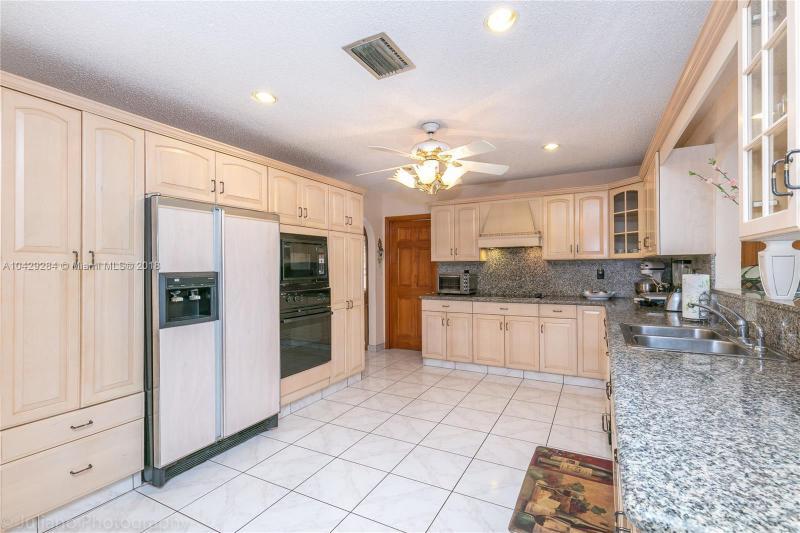 Imagen 13 de Single Family Florida>Davie>Broward      - Sale:795.000 US Dollar - codigo: A10429284