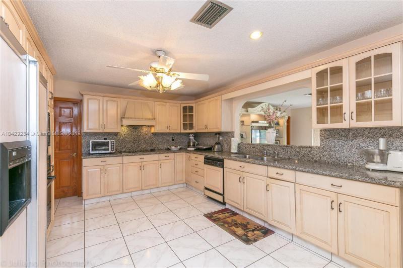 Imagen 14 de Single Family Florida>Davie>Broward      - Sale:795.000 US Dollar - codigo: A10429284