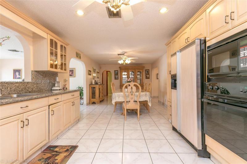 Imagen 16 de Single Family Florida>Davie>Broward      - Sale:795.000 US Dollar - codigo: A10429284
