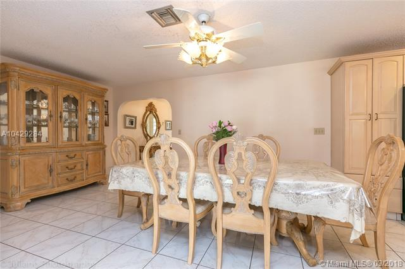 Imagen 17 de Single Family Florida>Davie>Broward      - Sale:795.000 US Dollar - codigo: A10429284