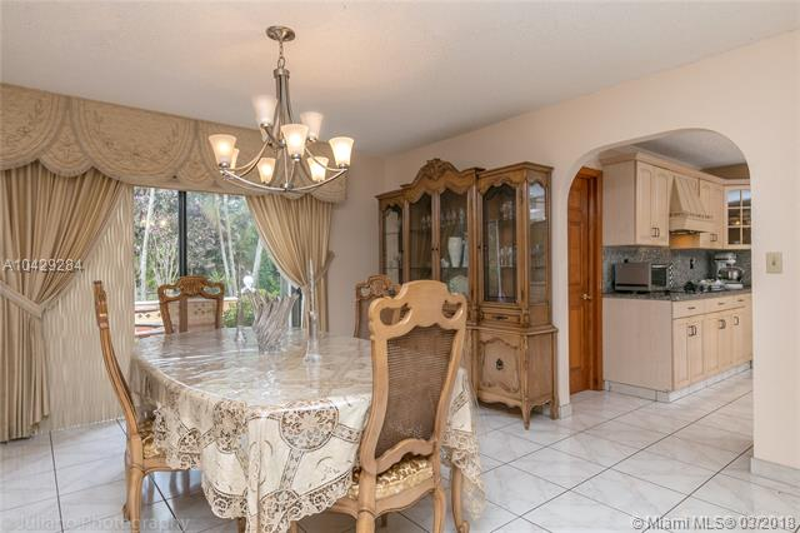 Imagen 19 de Single Family Florida>Davie>Broward      - Sale:795.000 US Dollar - codigo: A10429284
