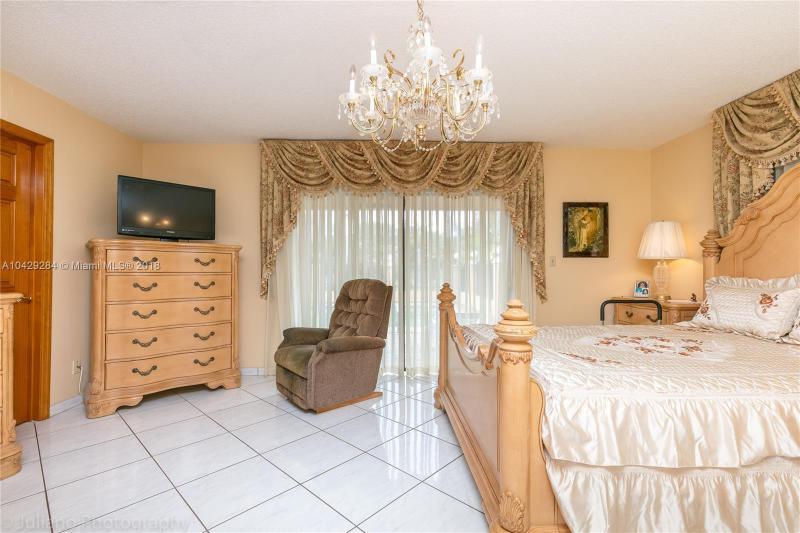 Imagen 31 de Single Family Florida>Davie>Broward      - Sale:795.000 US Dollar - codigo: A10429284