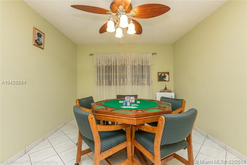 Imagen 33 de Single Family Florida>Davie>Broward      - Sale:795.000 US Dollar - codigo: A10429284