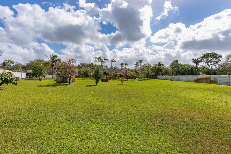 Imagen 39 de Single Family Florida>Davie>Broward      - Sale:795.000 US Dollar - codigo: A10429284