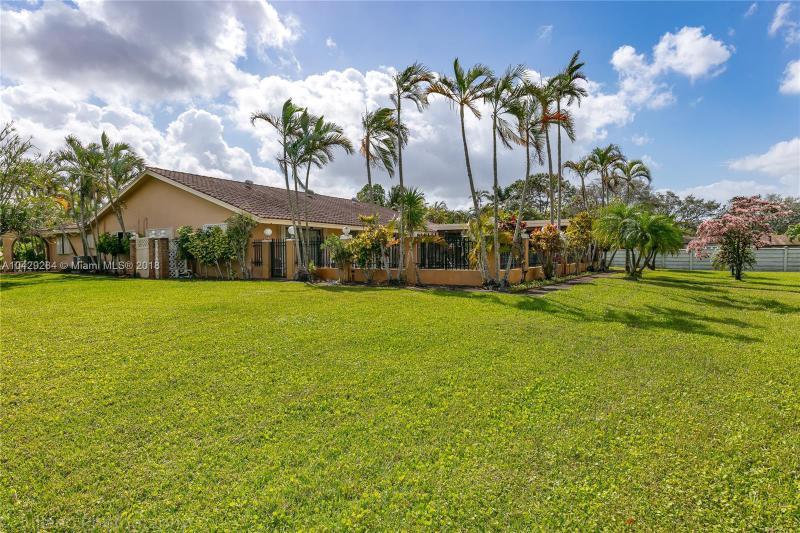 Imagen 40 de Single Family Florida>Davie>Broward      - Sale:795.000 US Dollar - codigo: A10429284