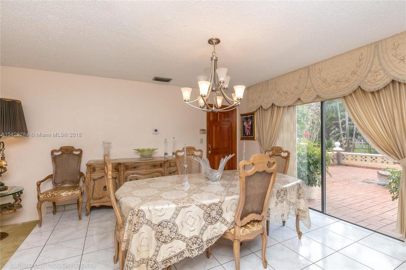 Imagen 6 de Single Family Florida>Davie>Broward      - Sale:795.000 US Dollar - codigo: A10429284