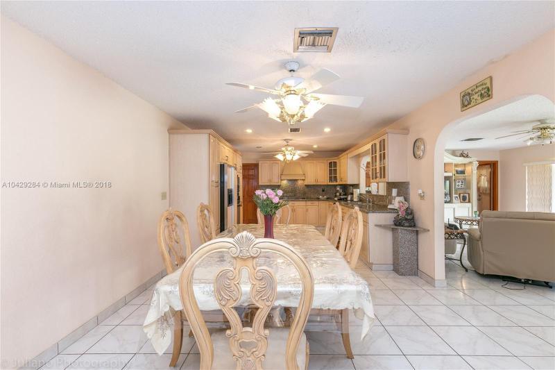 Imagen 7 de Single Family Florida>Davie>Broward      - Sale:795.000 US Dollar - codigo: A10429284
