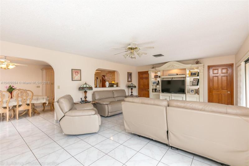 Imagen 8 de Single Family Florida>Davie>Broward      - Sale:795.000 US Dollar - codigo: A10429284