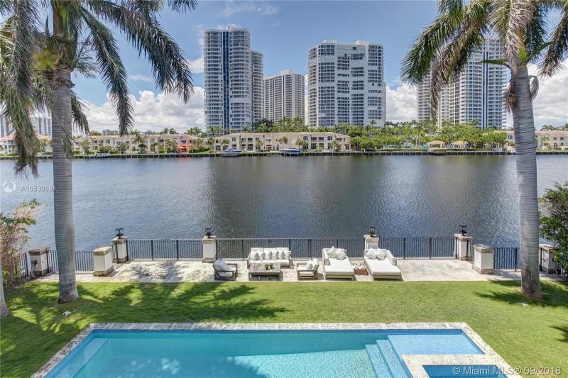 572 N Island Is, Golden Beach, FL, 33160