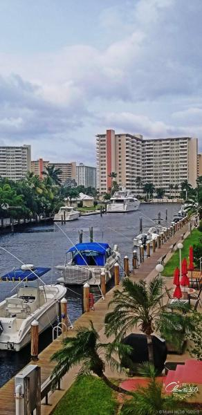 2881 NE 33RD CT,  Fort Lauderdale, FL