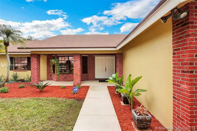 1011 NW 191st Ave , Pembroke Pines, FL 33029-2921