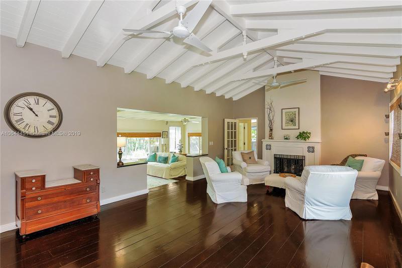 1319  Buchanan St , Hollywood, FL 33019-1022