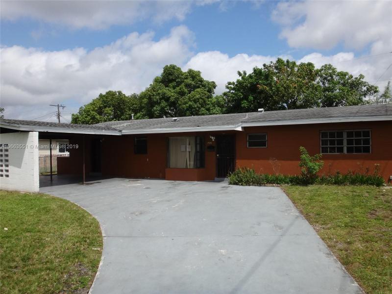 3875 NW 171st Ter , Miami Gardens, FL 33055-4548