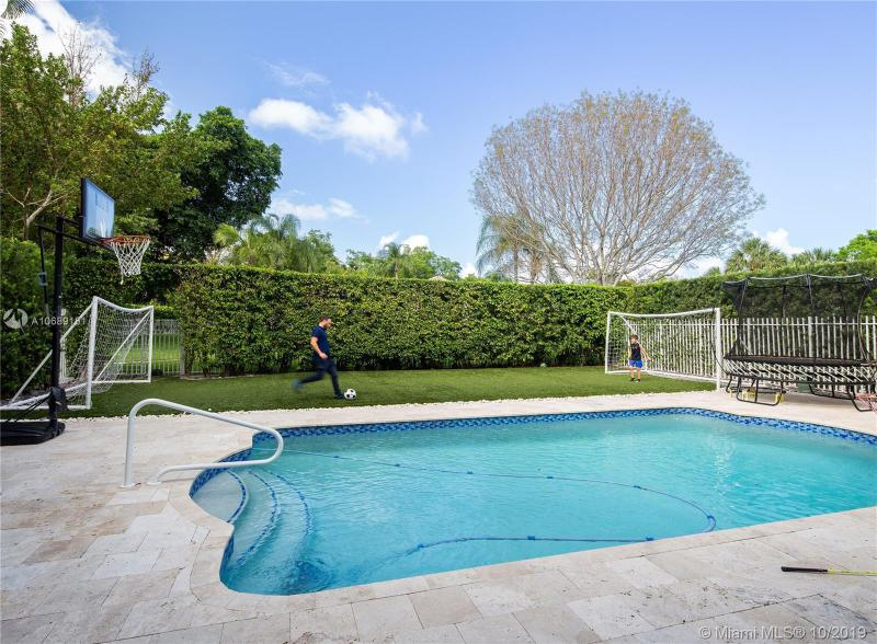 1573  Presidential Way,  Miami, FL