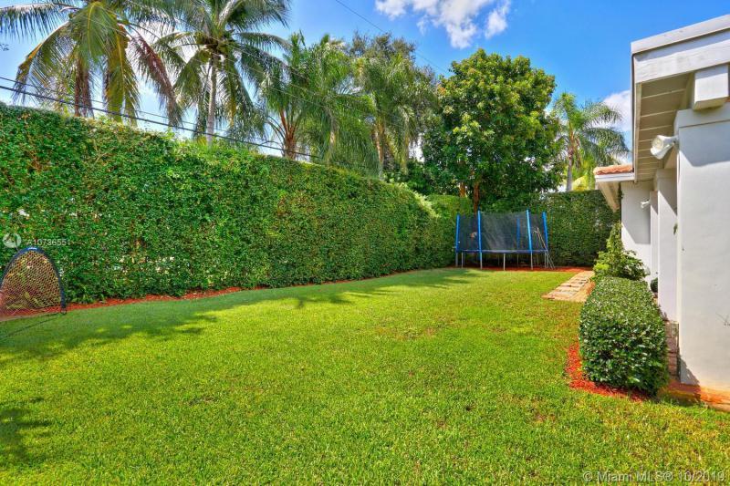 8020 SW 62nd Pl, South Miami, FL, 33143