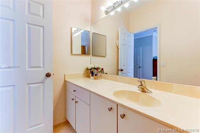 490 Saint Tropez Ln, Margate, FL, 33068