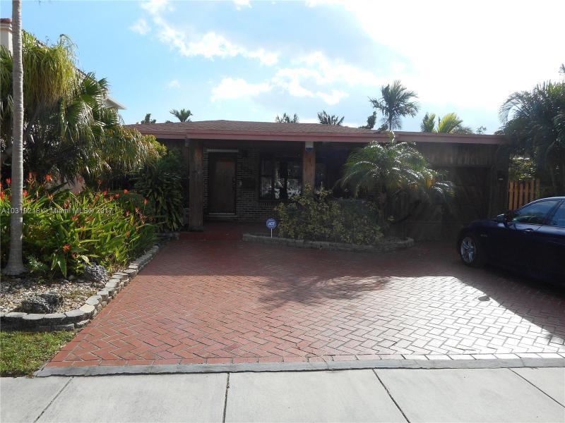 1120 Stillwater Dr, Miami Beach, FL 33141