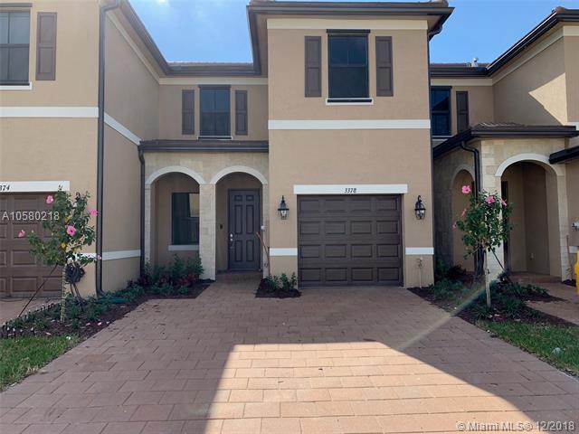 3358 W 96th Pl , Hialeah Gardens, FL 33018-