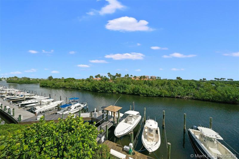 5860 Paradise Point Dr, Palmetto Bay, FL, 33157