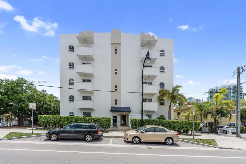 3245  Virginia St  Unit 37, Coconut Grove, FL 33133-5247