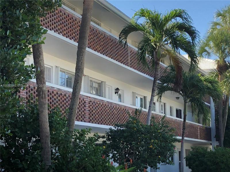 2120 42nd St, Lighthouse Point FL 33064-7391
