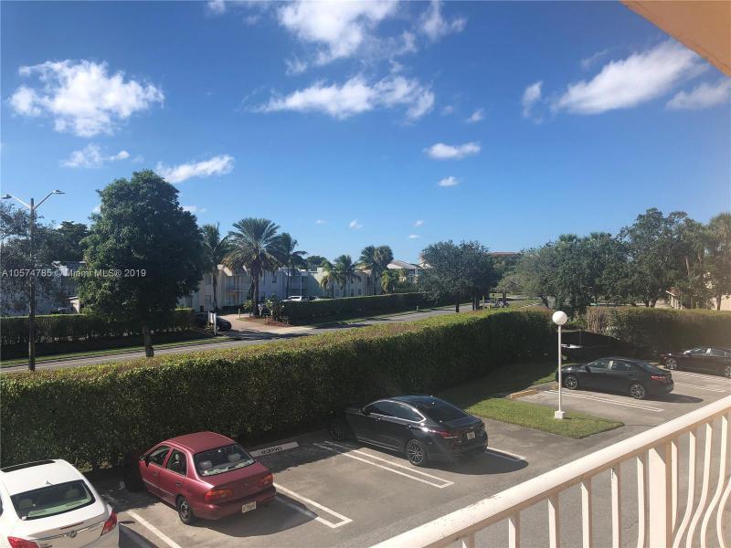 470  Executive Center Dr  Unit 2, West Palm Beach, FL 33401-2978