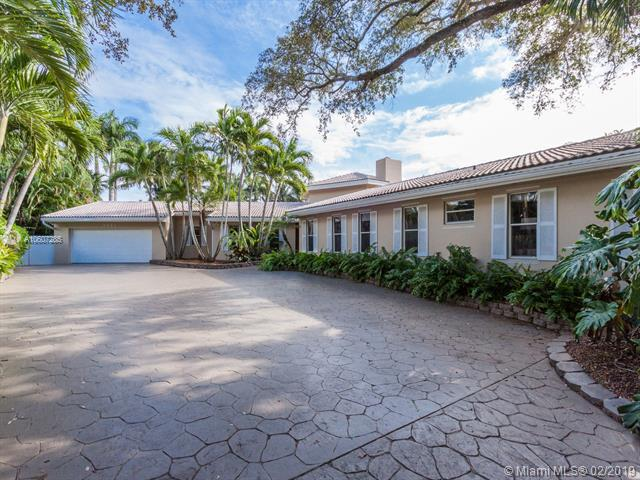 5826 Brookfield Cir, Hollywood FL 33021-