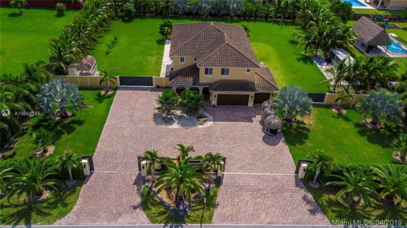 21051 SW 134th Ave,  Miami, FL