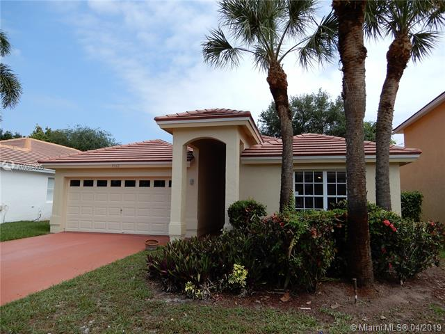 2315  Country Golf Dr , Wellington, FL 33414-8375