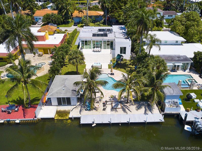 1090 NE 84th St,  Miami, FL