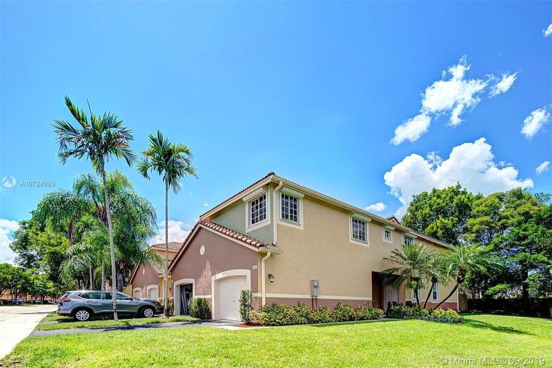 3660  San Simeon Circle,  Weston, FL