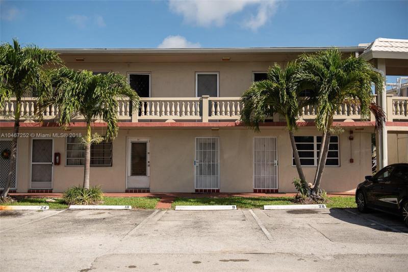455 214th St, Miami Gardens FL 33169-2138