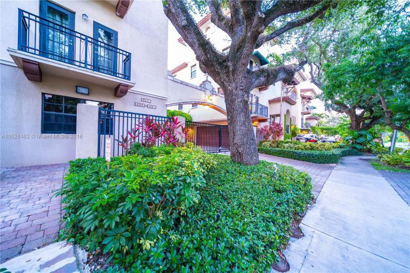 2829  Coconut Ave  Unit 2829 Coconut Grove, FL 33133-3724 MLS#A10526452 Image 3