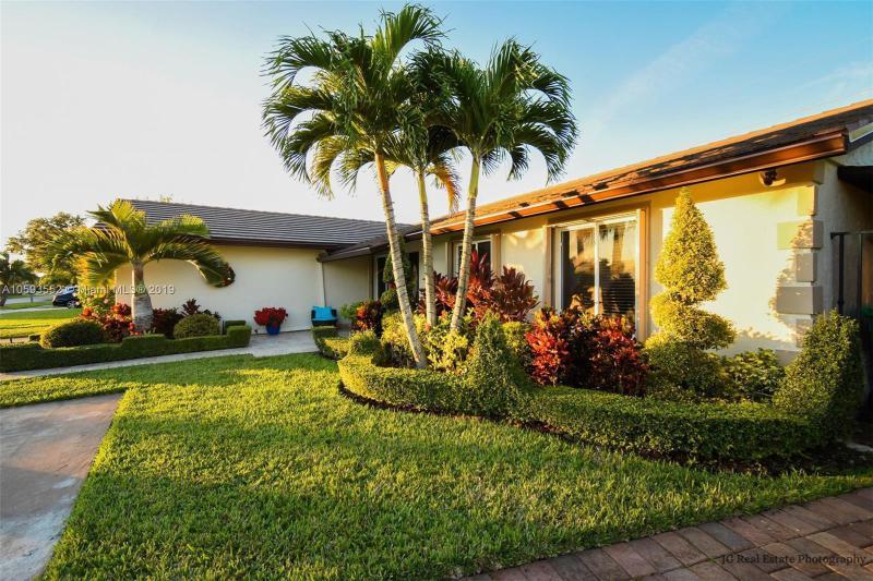 13221 SW 85th St Rd,  Miami, FL