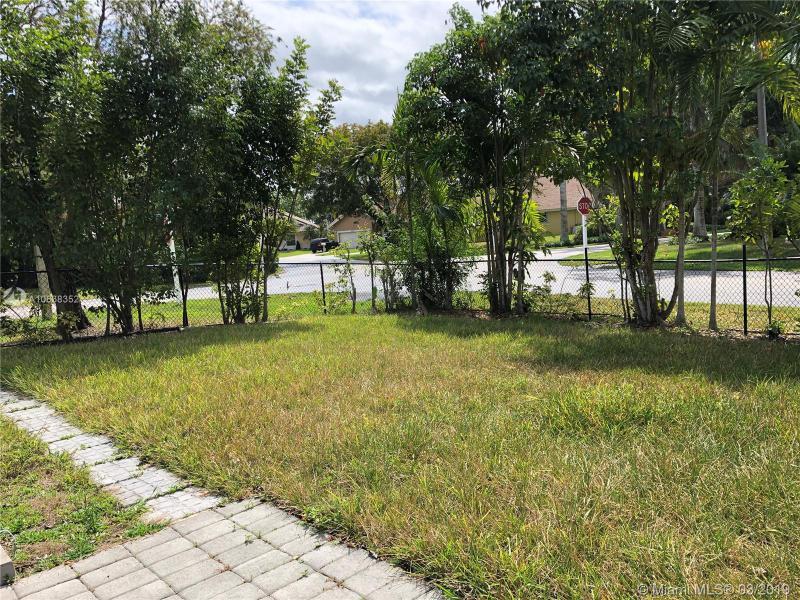 510 NW 206th Ave, Pembroke Pines, FL, 33029
