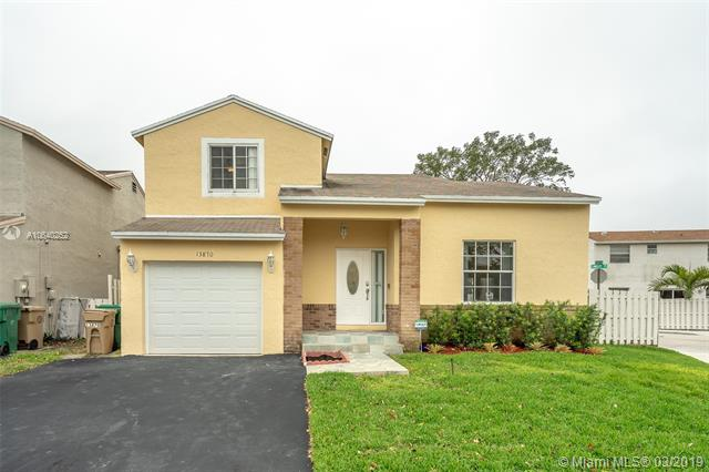 941 W Beckley Sq , Davie, FL 33325-3035