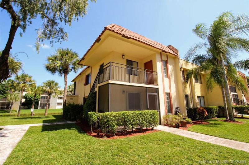 410  Lakeview Dr,  Weston, FL