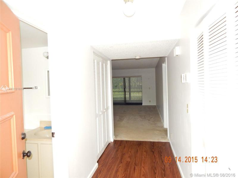 Lake Worth Condo/Villa/Co-op/Town Home A10121819