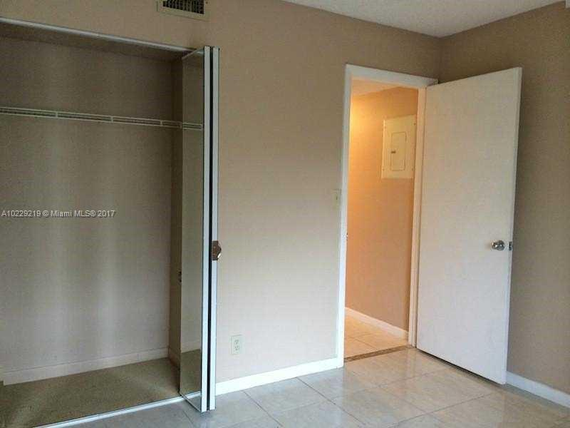218  Lake Pointe Dr  Unit 103 Oakland Park, FL 33309-3581 MLS#A10229219 Image 11